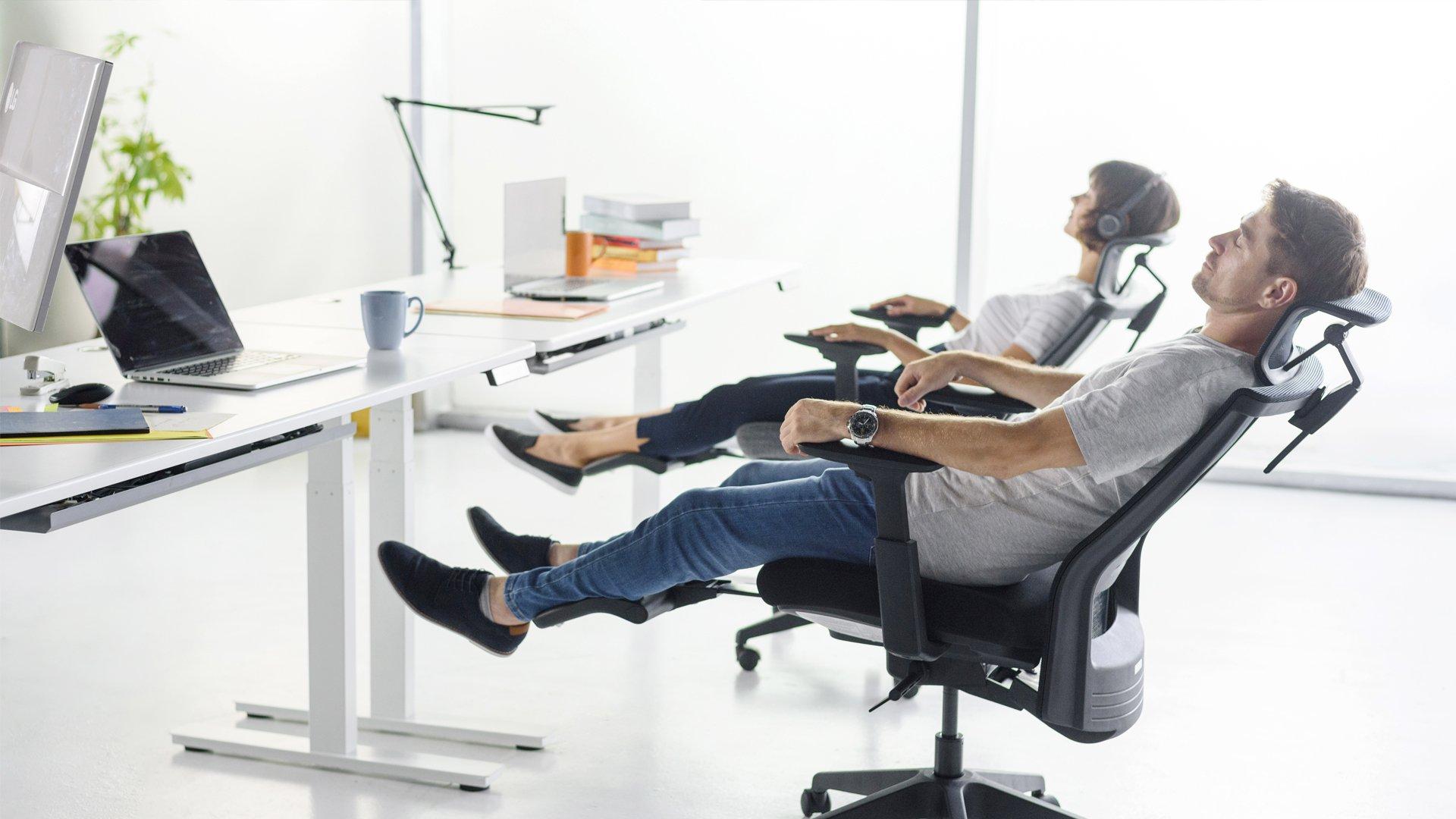 صندلی اداری مناسب کمردرد